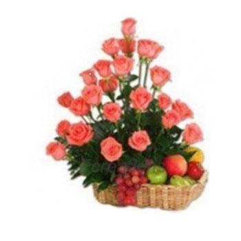 18-Pomelo-or-Orange-Roses-with-Assorted-Fruits-Basket