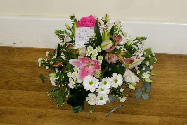 funeral-flowers-etiquette-2